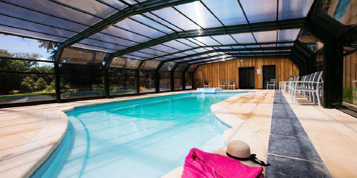 Binnenzwembad Chateau Le verdoyer